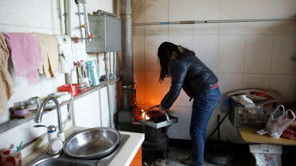 الصين تتخطى المستهدف في مشروعات غاز منزلية لكن التدفئة النظيفة لم تصل للجميع