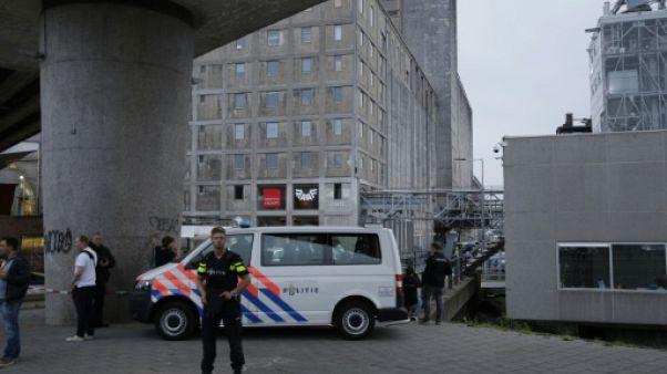 """Quatre hommes suspectés de """"terrorisme"""" arrêtés aux Pays-Bas"""