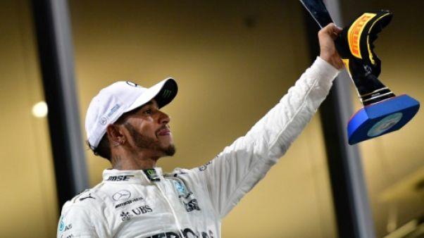 Lewis Hamilton désolé d'avoir tancé son neveu déguisé en princesse