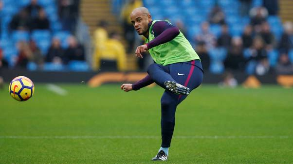 Cautious Kompany reminds leaders City of 2012 Man United meltdown