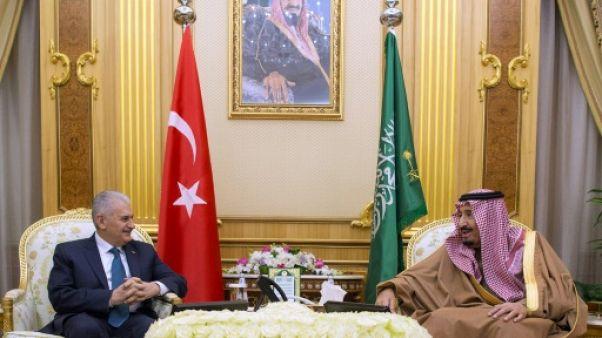 Le roi saoudien évoque Jérusalem avec le Premier ministre turc
