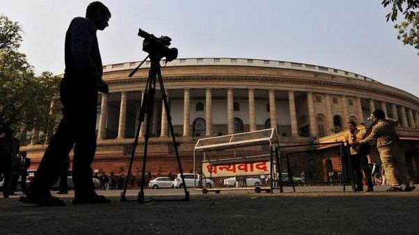 الهند تسعى لإصدار قانون لتجريم الطلاق بالثلاث