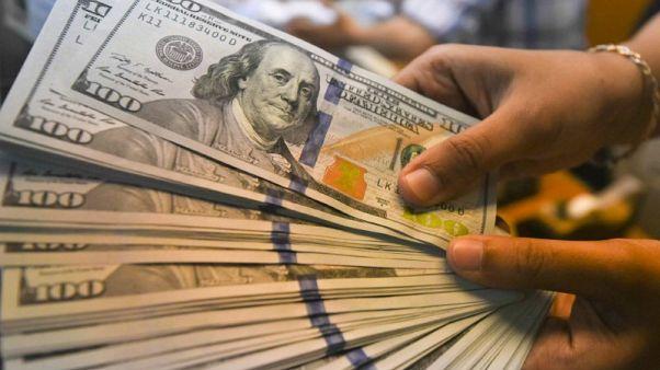 الدولار قرب ذروته في أسبوع ونصف والأنظار على التضخم الأمريكي