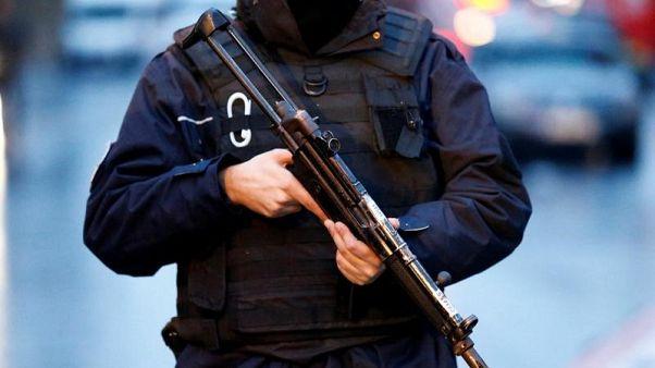 اسطنبول تشدد إجراءات الأمن عشية العام الجديد واعتقال العشرات