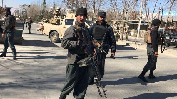 انتحاريون يقتلون العشرات في هجوم على مركز ثقافي شيعي بكابول