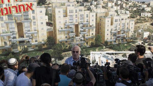 وزير إسرائيلي يقود حشدا عند الحائط الغربي بالقدس للصلاة من أجل سقوط المطر