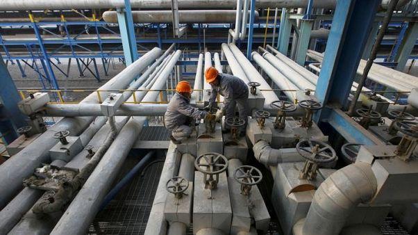 الصين تصدر أول دفعة من حصص استيراد النفط الخام في 2018