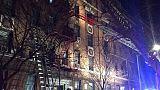 رئيس بلدية نيويورك: طفل يلهو بموقد قد يكون سبب حريق بالمدينة
