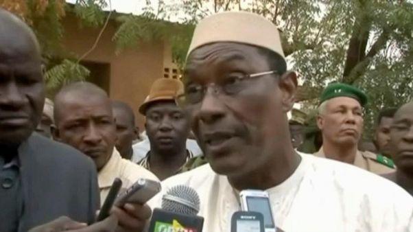 استقالة رئيس وزراء مالي وحكومته للسماح بإعادة تشكيل الحكومة