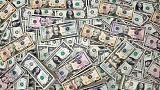 الدولار عند أعلى مستوى في أسبوعين مع صعود عوائد السندات الأمريكية والاسترليني يهبط