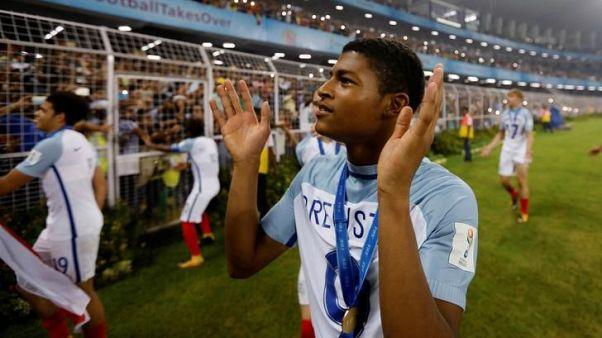 بروستر لاعب ليفربول تعرض للإساءة العنصرية طويلا