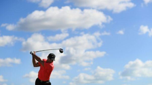 """Golf: Tiger Woods """"continue à progresser"""" et vise une année """"complète"""" pour 2018"""