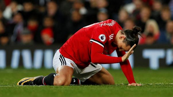 Ibrahimovic sidelined for a month with knee injury