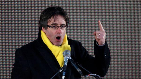 زعيم قطالونيا السابق يدعو إسبانيا لقبول نتيجة الانتخابات