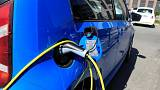 إحصاء: أكثر من نصف السيارات الجديدة بالنرويج كهربائية وهجينة