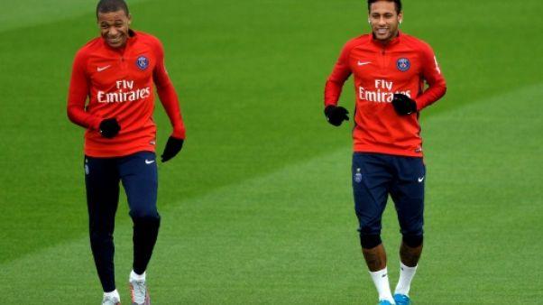 Les joueurs du Paris SG Kylian Mbappe et Neymar à l'entraînement le 25 octobre 2017