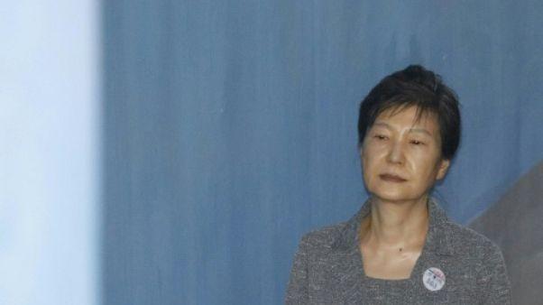 L'ex-présidente sud-coréenne inculpée pour détournement de fonds des renseignements