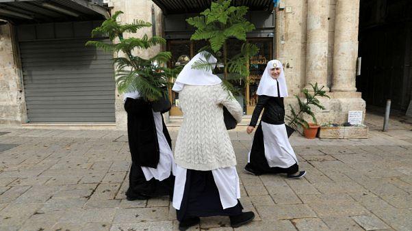 Jerusalem 'Santa' offers free Christmas trees to residents