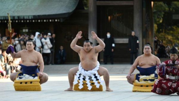 Japon: un célèbre arbitre sumo s'excuse pour harcèlement sexuel