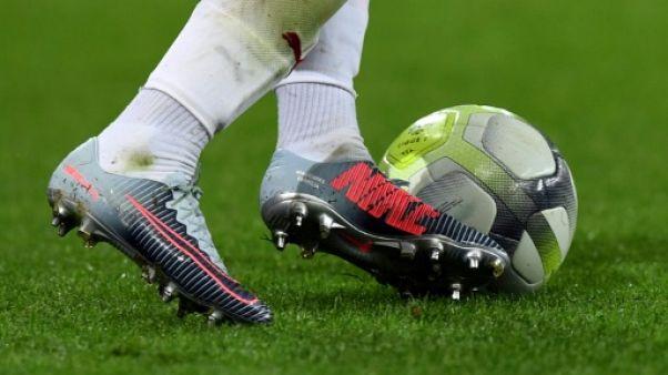 Abus sexuels dans le foot anglais: l'ex-entraîneur Bennell plaide coupable