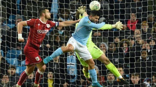 Coupe d'Angleterre: Agüero sauve Manchester City en demi-finale aller
