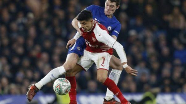 Coupe de la Ligue anglaise: Chelsea et Arsenal conservent leurs chances pour le retour