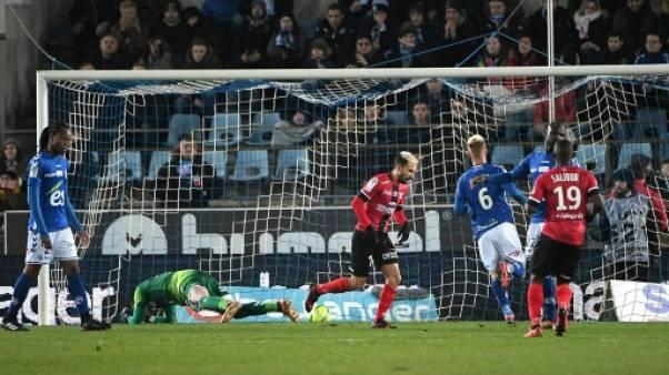 Ligue 1: Guingamp enchaîne en costaud à Strasbourg