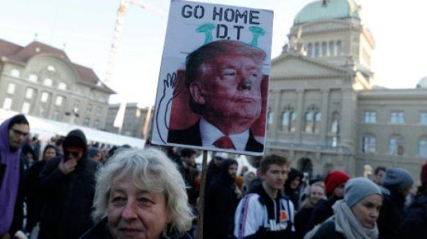 Plusieurs centaines de manifestants à Berne contre Trump à Davos