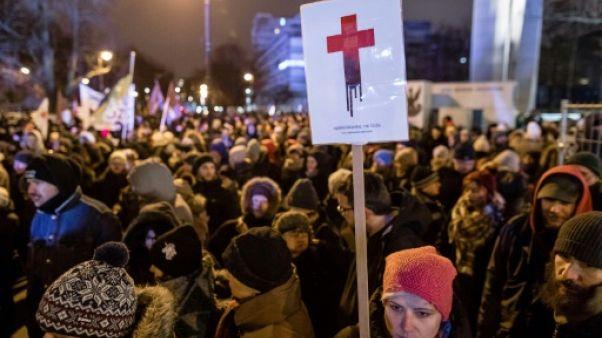 Avortement: Des Polonaises manifestent contre le durcissement de la loi