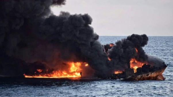 Le pétrolier iranien en flammes au large de la Chine a coulé