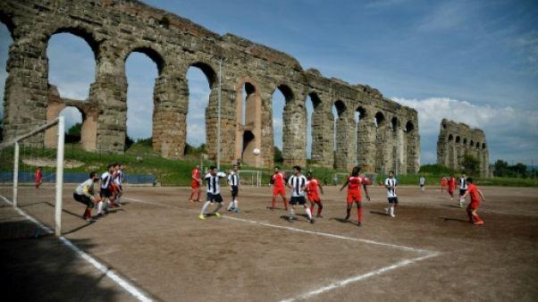 Italie: accord pour intégrer les jeunes migrants par le football