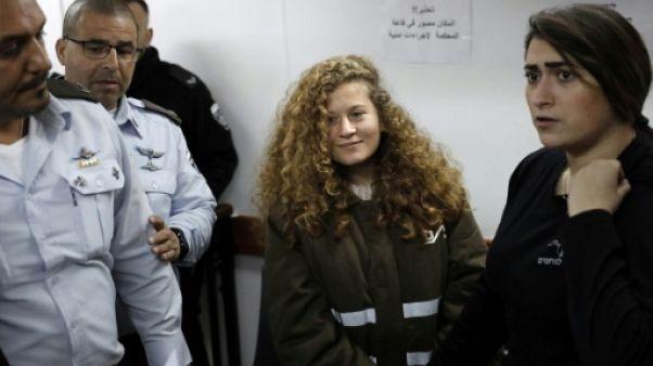 Prolongation de la détention d'une jeune Palestinienne ayant frappé des soldats