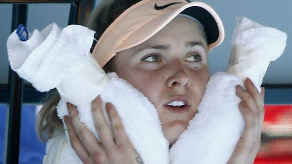 Tennis - Ruthless Svitolina ends Kostyuk's dream debut