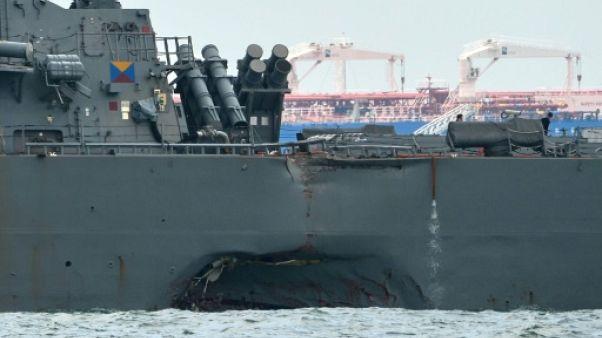 """Collisions: procédure pour """"homicide par négligence"""" contre deux commandants de l'US Navy"""