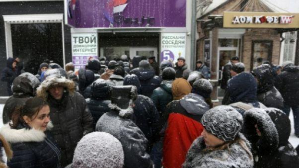 """Dans l'est de l'Ukraine, retour à """"l'âge de pierre"""" sans réseau mobile"""
