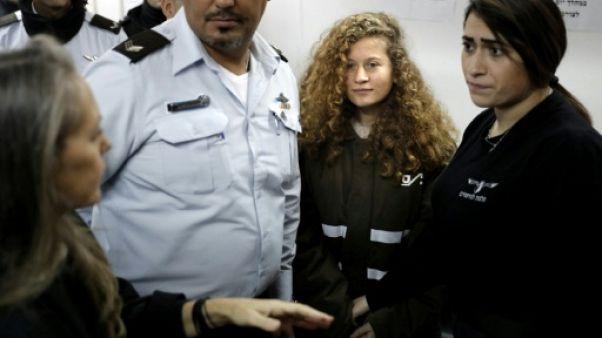 Israël maintient une jeune militante palestinienne en prison jusqu'au procès