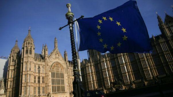 Royaume-Uni: les députés adoptent la loi de retrait de l'UE