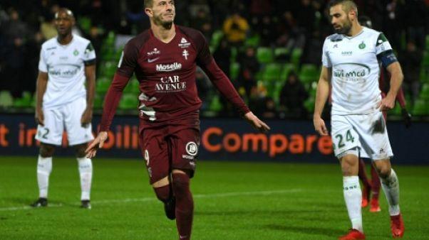 Ligue 1: Metz assomme un Saint-Etienne en perdition