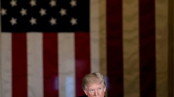 """Trump annonce ses prix """"Fake News"""" très controversés"""