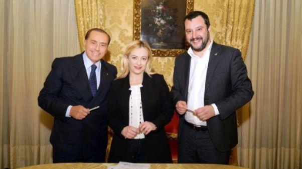 Elections en Italie: Berlusconi confirme son alliance avec la droite