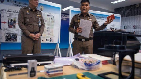 Thaïlande: capture d'un trafiquant de passeports, qui pourrait avoir fourni l'EI
