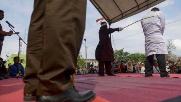 Indonésie: coups de bâton en public pour un chrétien qui vendait de l'alcool