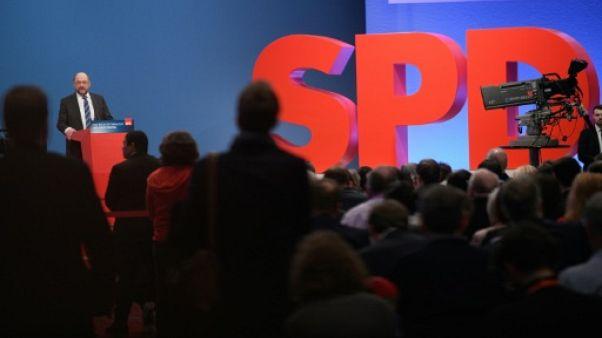 Allemagne: les sociaux-démocrates font un pas de plus vers une coalition avec Merkel