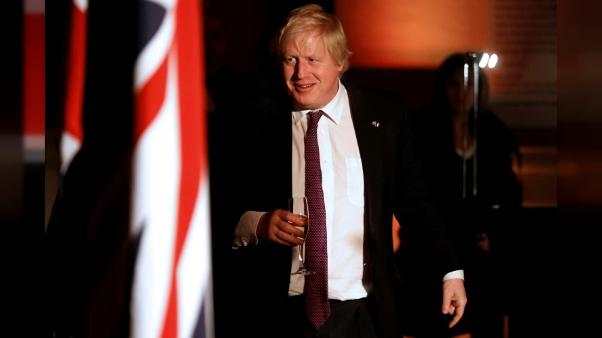 Johnson invite le Royaume-Uni à accueillir Trump