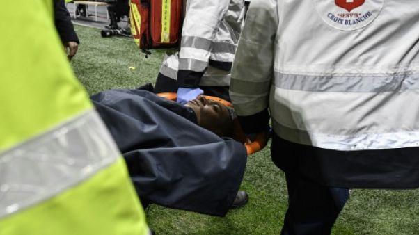 PSG: Mbappé évacué sur une civière à Lyon, diagnostic rassurant
