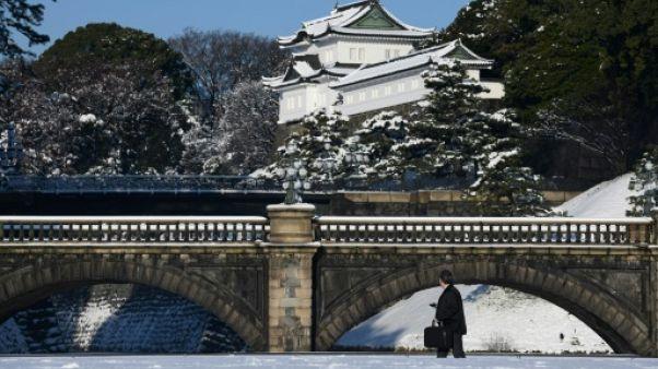 Neige à Tokyo: des dizaines de blessés, des milliers de voyageurs bloqués