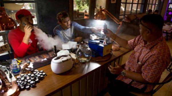 Haro sur le vapotage en Indonésie, pays de fumeurs
