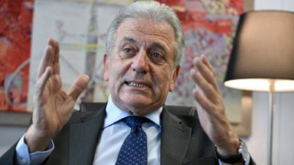 """Avramopoulos: le refus de quotas de réfugiés dans l'UE est """"inacceptable"""""""