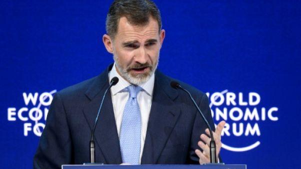 Le roi d'Espagne défend l'image du pays en pleine crise catalane