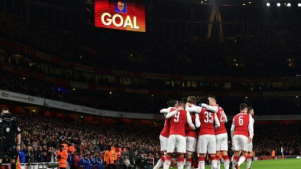 Coupe de la Ligue anglaise: Arsenal et Manchester City en finale